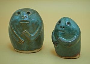 2 figurines primitives - création de l'atelier modeste