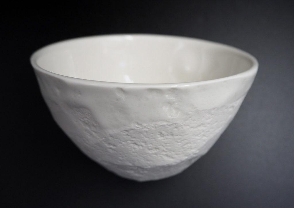 bol en porcelaine tourné et facetté - création de l'atelier modeste