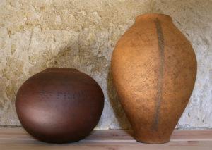 vase globulaire en grès et grand vase en grès façonnés à la main par l'atelier modeste